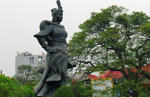 Le Chan Statue