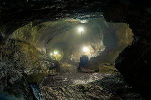 Throat cave in elephant mountain an lao hai phong