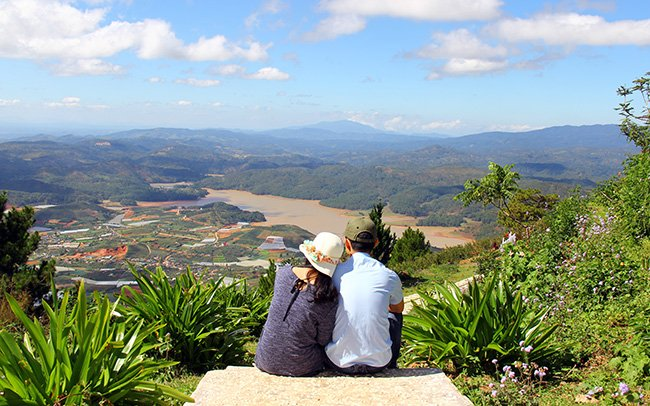 nice-view-langbiang-moutain-dalat