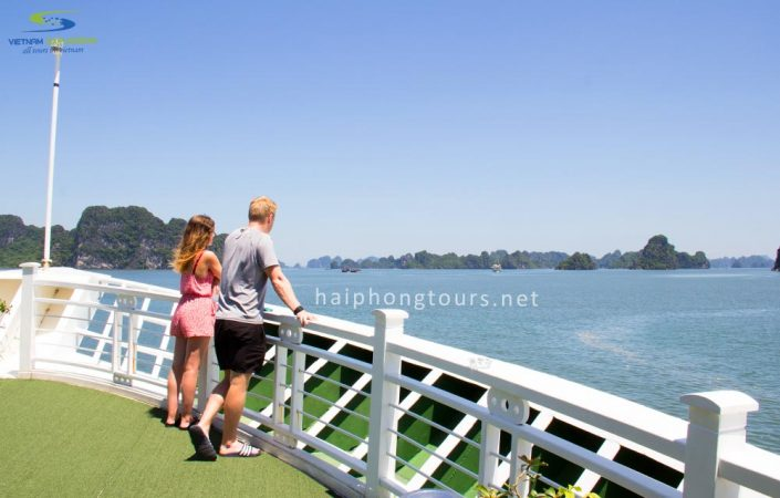 bai-tu-long-bay-cruise-tour-with-starlight-cruise-hai-phong-tours