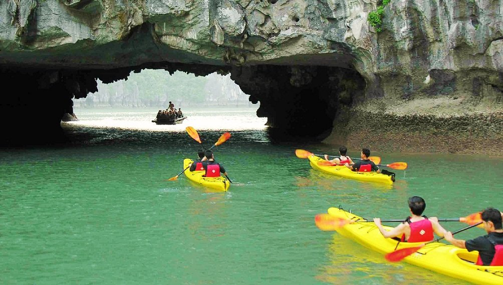kayaking halong bay hai phong tour