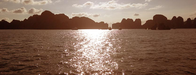 Halong bay tour departing from Cat Bi airport