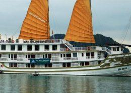Indochina Sails cruise tour pick up from Hai Phong