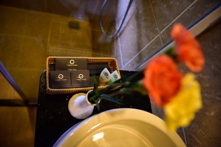 bathroom amenities Vspirit cruise Hai Phong