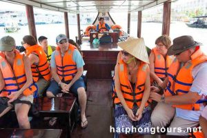 Transferring Halong Grayline Cruise