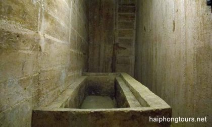 Bath tub in Hospital cave Cat Ba island