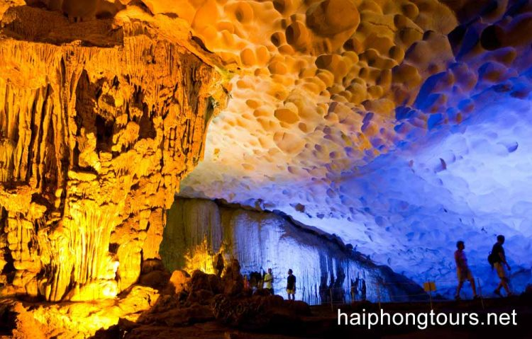colorful limestones in Sung sot cave