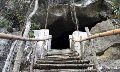 way to Hospital cave Cat Ba island