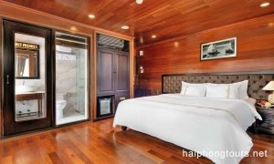Deluxe double suite balcony Hai Phong Vspirit Premier Cruise
