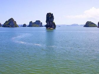 Bai Tu Long bay 2 day 1 night cruise tour