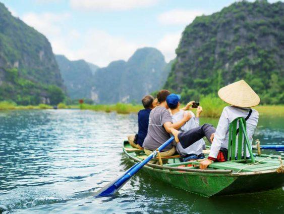 Hoa Lu temple Tam Coc day boat tour
