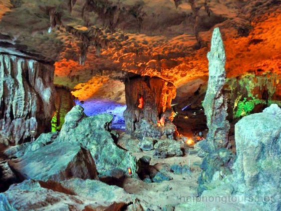 Other pilar in Sung Sot cave
