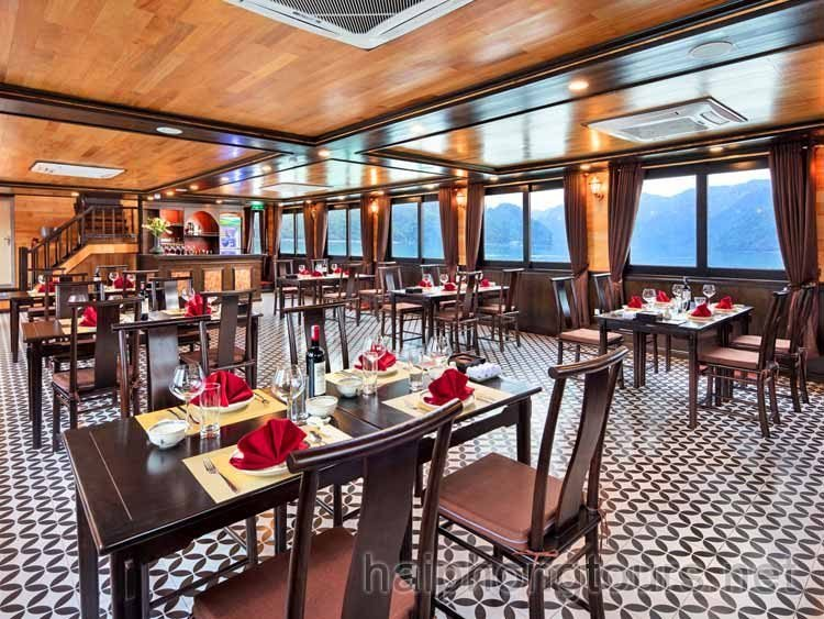 Restaurant on deluxe boat for Lan Ha Bay 1 day cruise