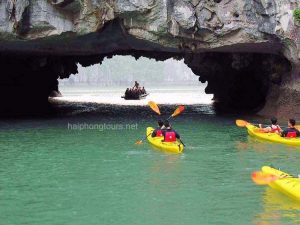 kayak to Luon cave