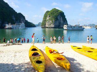 nice beach on bai tu long