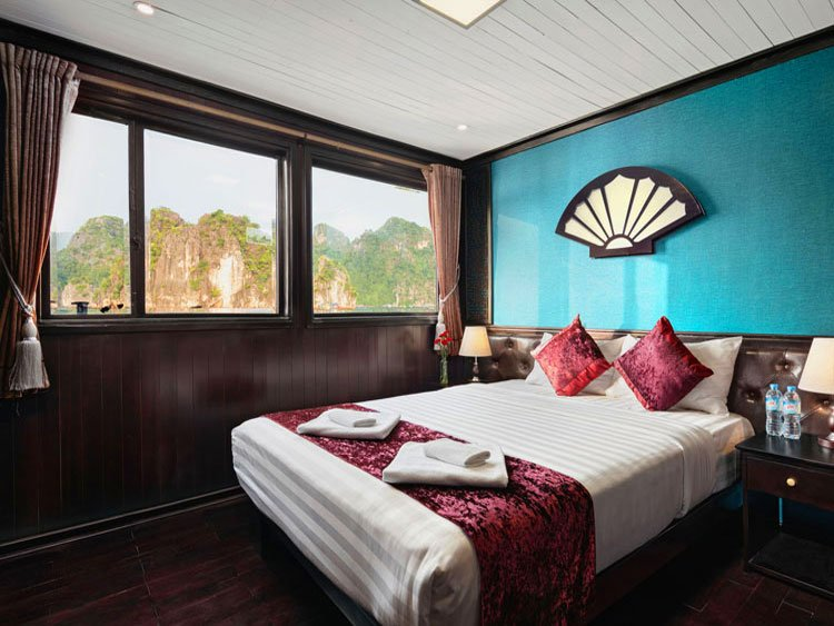 Deluxe double room Halong Aclass Legend cruise