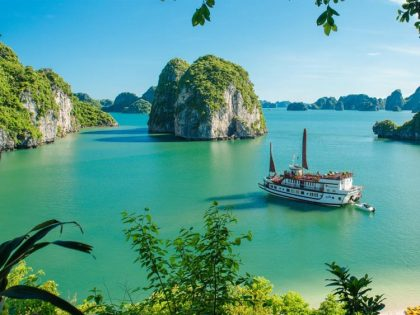 Halong bay 6 hours day tour from Hai Phong
