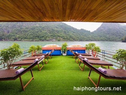 Lan Ha bay day tour sundeck