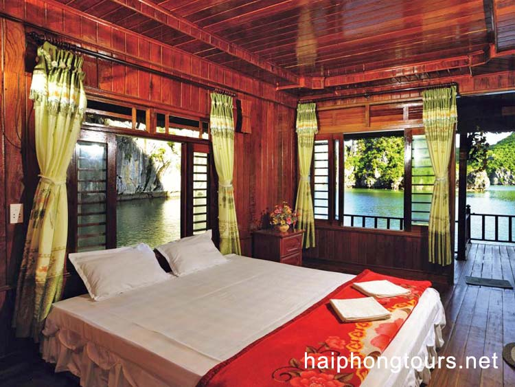 double room in bungalow