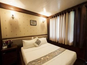 Double room in Halong Phoenix cruise